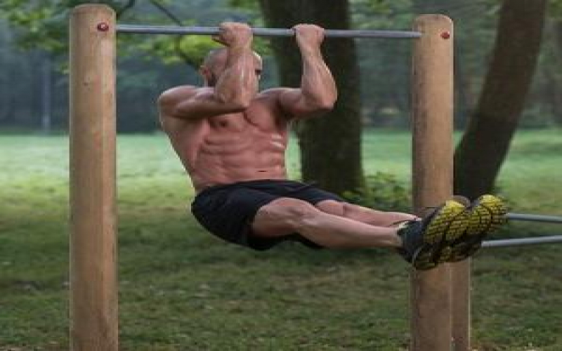 Calisthenics for Beginners: The Ultimate Guide