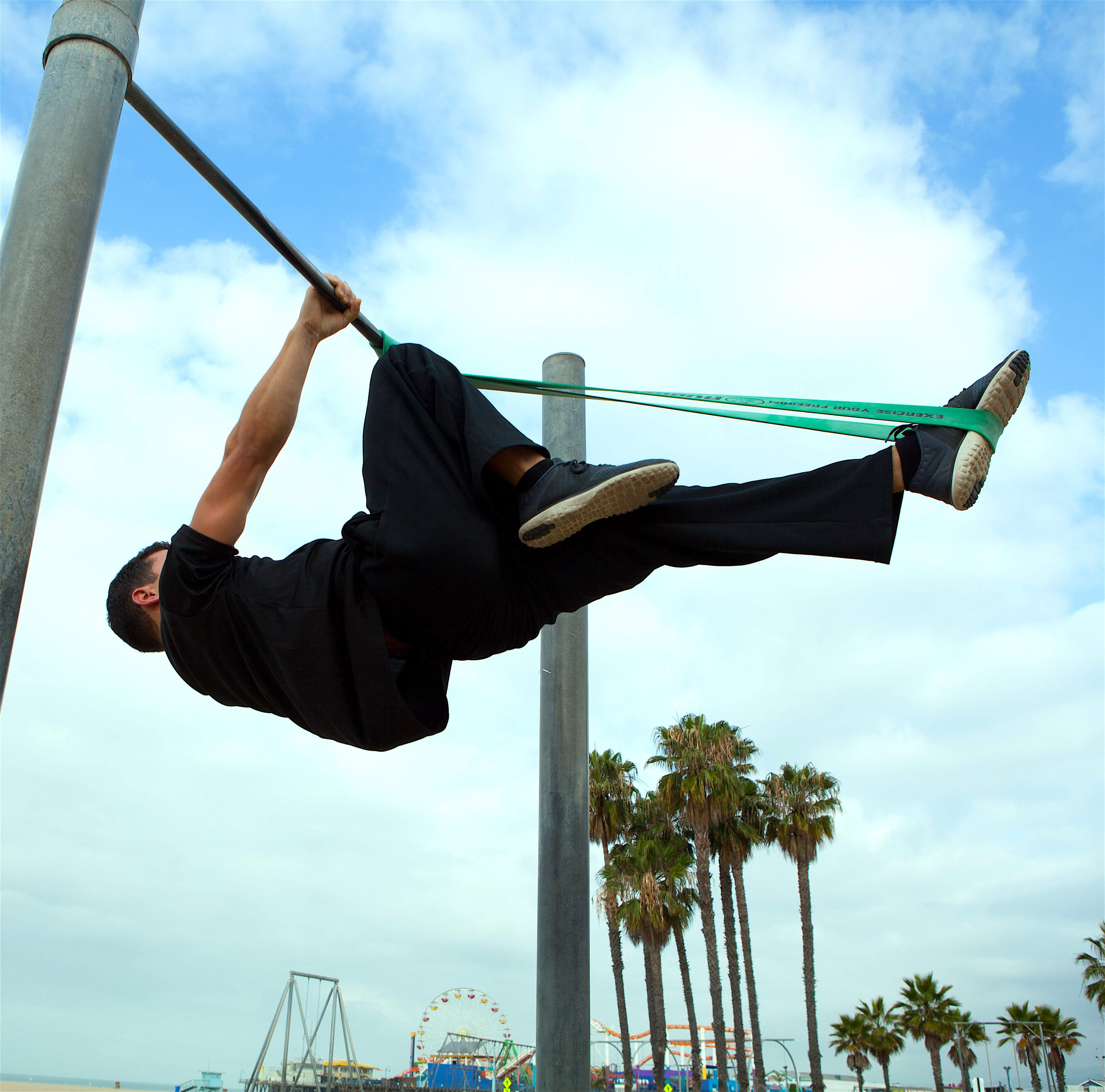 Single Leg Front Lever Hold Progression with RubberBanditz Resistance Bands